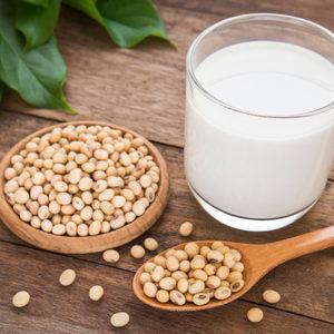 食前に飲むだけで痩せる?女性の味方「豆乳」を取り入れたダイエット